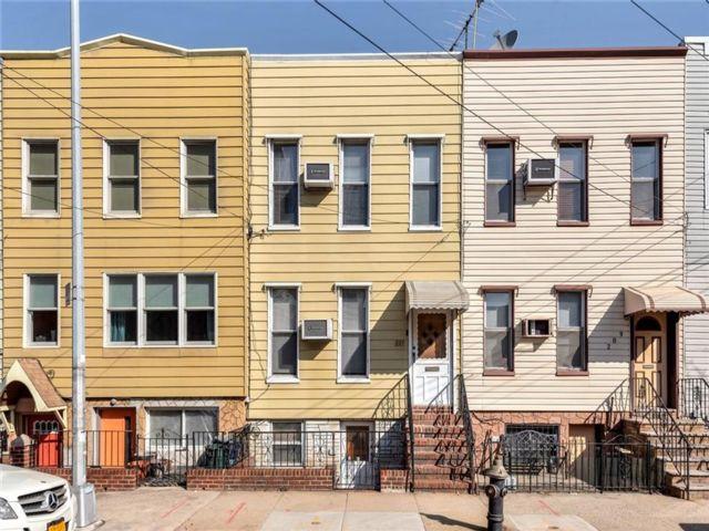[Williamsburg Real Estate, listing number 6986532]