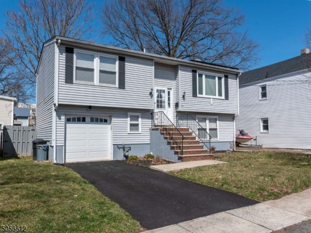 3 BR,  1.50 BTH  Bi-level style home in Rahway