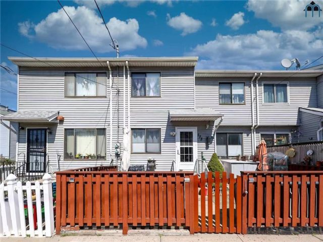 [Concord Real Estate, listing number 6986931]