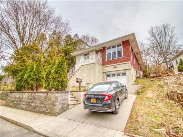 3 BR,  2.00 BTH Single family style home in New Brighton