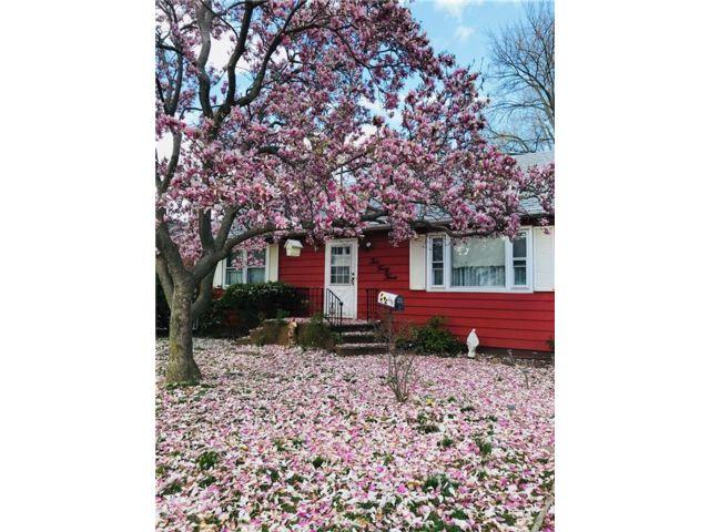 Lot <b>Size:</b>  Land style home in Eltingville