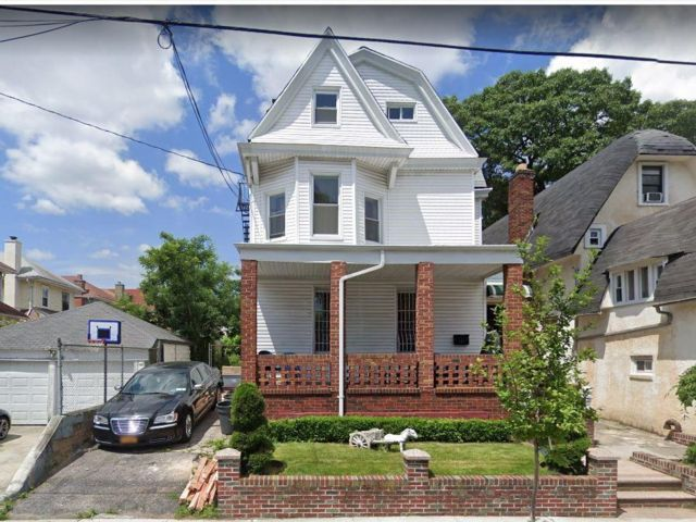 7 BR,  4.00 BTH  Multi-family style home in East Flatbush