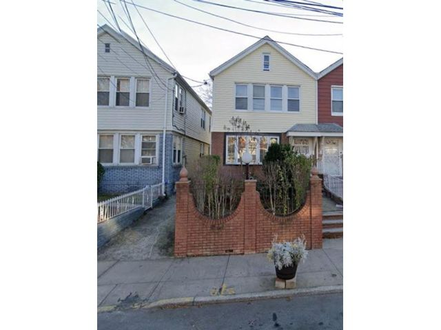 6 BR,  3.00 BTH  Multi-family style home in East Flatbush