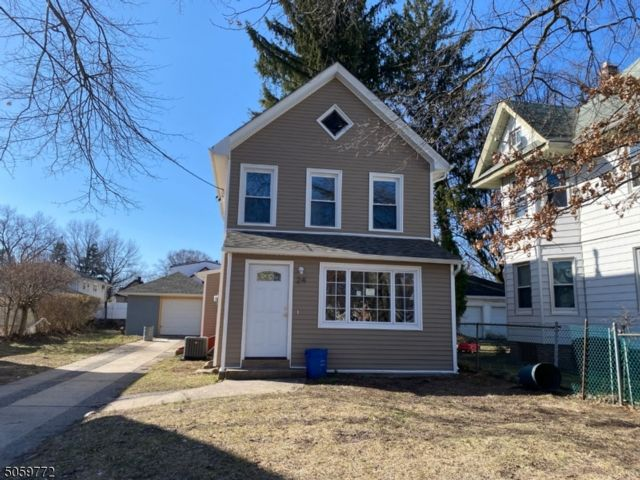 4 BR,  3.00 BTH Colonial style home in Englewood