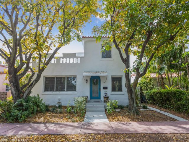 3 BR,  2.00 BTH 2 story style home in Miami Beach