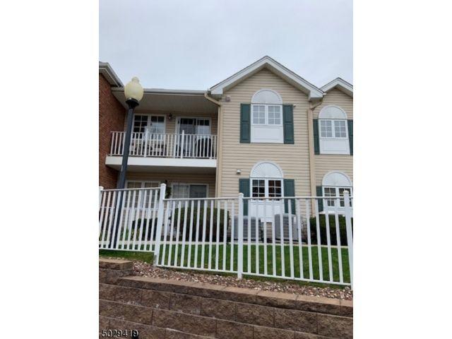 2 BR,  2.00 BTH Multi floor uni style home in North Caldwell
