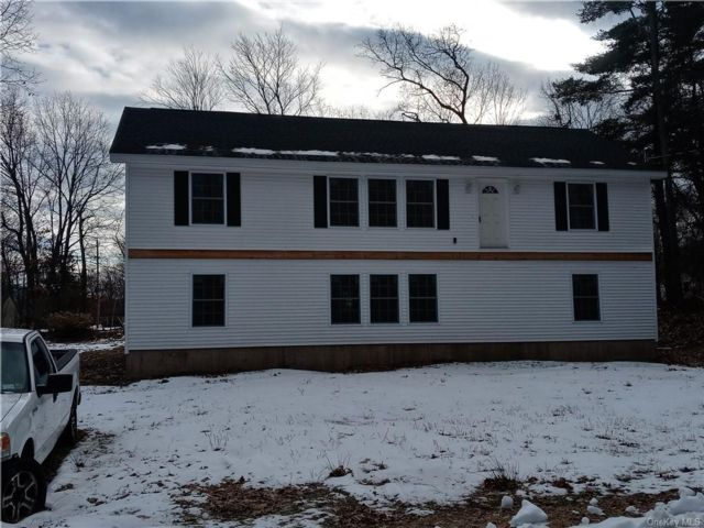 3 BR,  2.00 BTH Raised ranch style home in Wawarsing