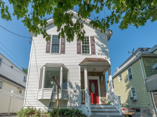 4 BR,  4.00 BTH Colonial style home in Roselle Park