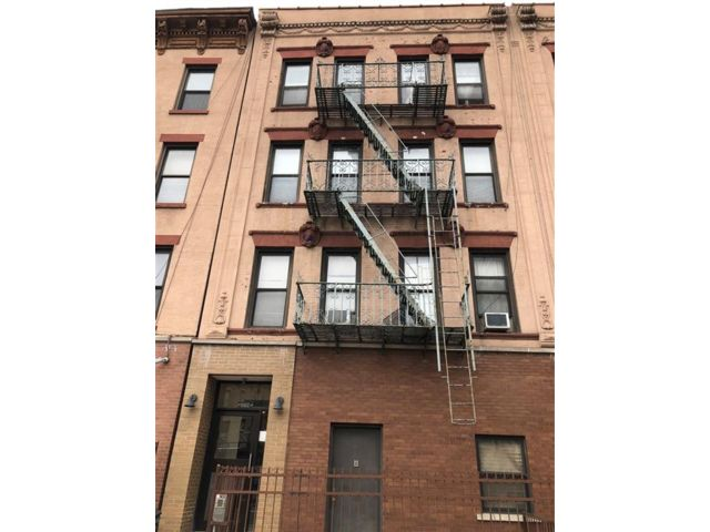 1 BR,  1.00 BTH  Condominium style home in Greenwood Heights