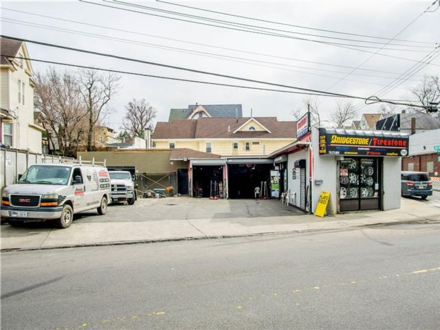 Studio,  0.00 BTH Mixed use style home in Port Richmond