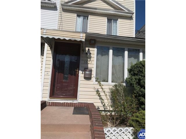 2 BR,  2.00 BTH Single family style home in Canarsie