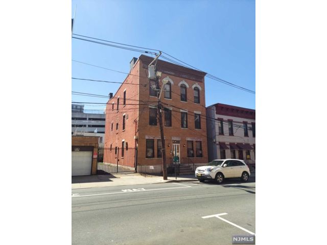 1 BR,  1.00 BTH Apartment style home in Weehawken