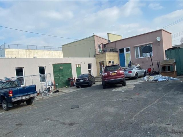 Studio,  0.00 BTH  Commercial style home in Port Richmond