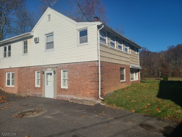 4 BR,  2.00 BTH  Colonial style home in Saddle Brook