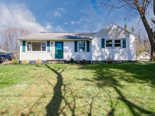 [Woodbury Town Real Estate, listing number 6987643]