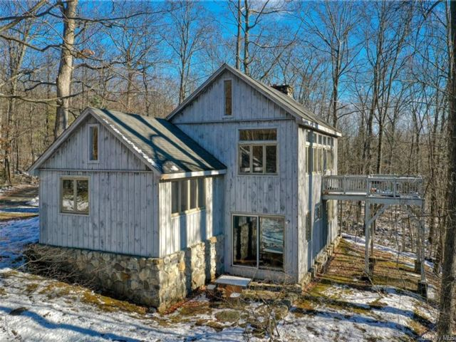 2 BR,  2.00 BTH Chalet style home in Shawangunk