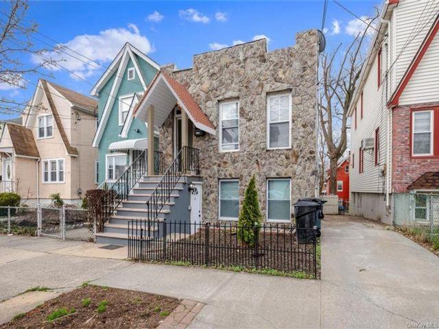 [Esplanade Real Estate, listing number 6987660]