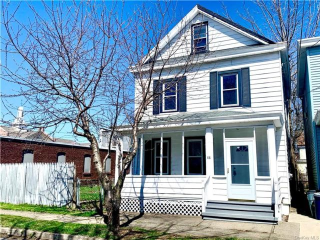 3 BR,  1.00 BTH Single family style home in Newburgh City