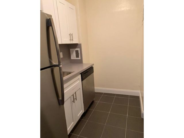 2 BR,  1.00 BTH  style home in New Dorp