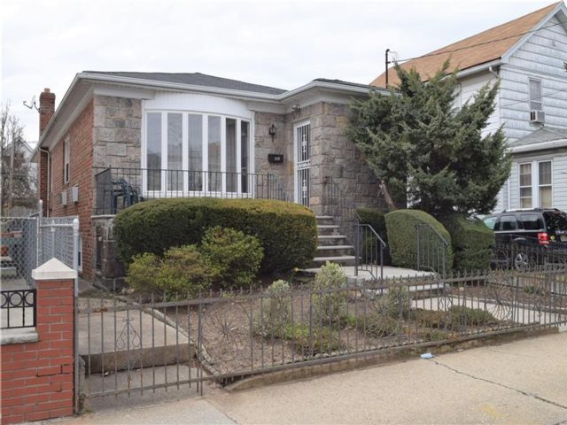 4 BR,  3.00 BTH Multi-family style home in Old Mill Basin