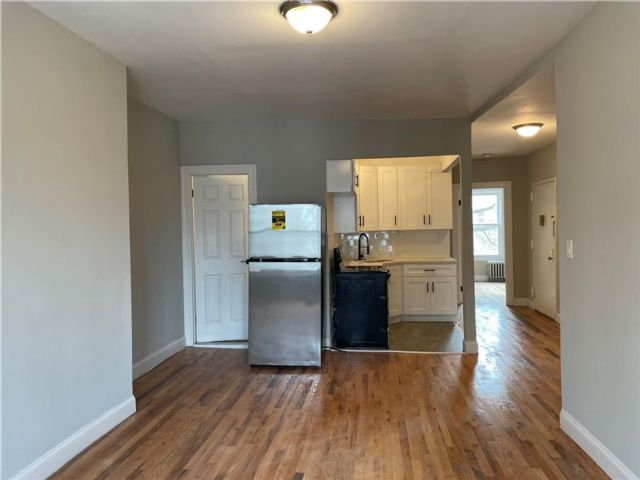 3 BR,  1.00 BTH Multi-family style home in Sunset Park