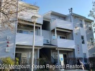 2 BR,  1.00 BTH Attached style home in Tinton Falls