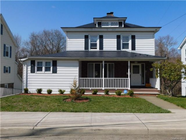 5 BR,  3.00 BTH Colonial style home in Monroe