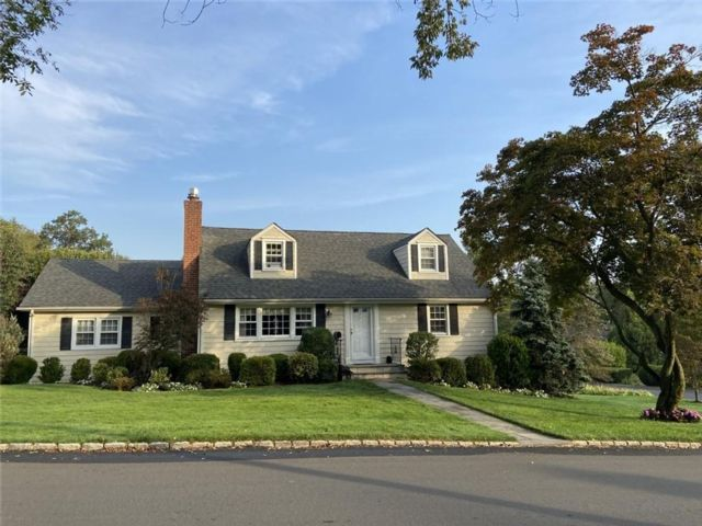 4 BR,  3.00 BTH Contemporary style home in Gedney
