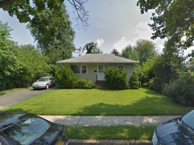 2 BR,  1.00 BTH Single family style home in Oakwood/New Dorp Heights