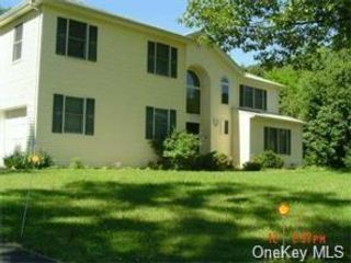 4 BR,  3.00 BTH Single family style home in Ramapo