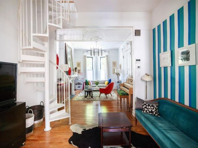 2 BR,  1.00 BTH Multi-family style home in Prospect Heights