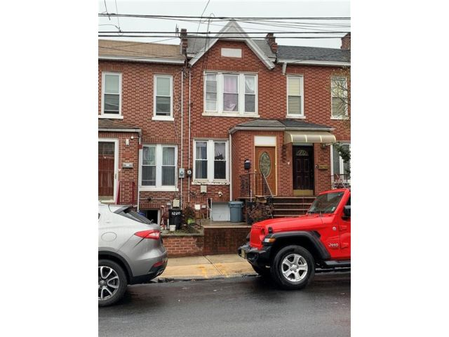 2 BR,  2.00 BTH Single family style home in Dyker Heights
