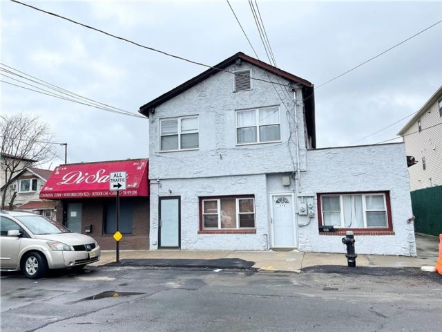 Studio,  0.00 BTH Mixed use style home in Oakwood/New Dorp Beach