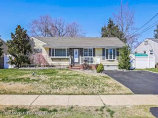 4 BR,  1.50 BTH Ranch style home in Hazlet