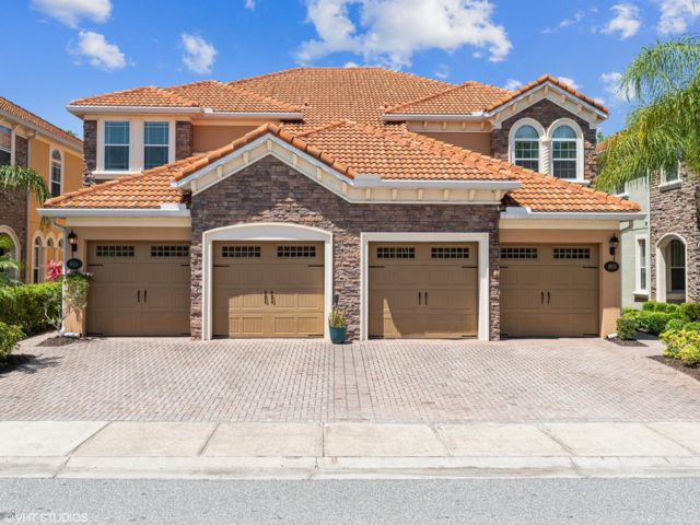 4 BR,  3.50 BTH Townhouse style home in Orlando