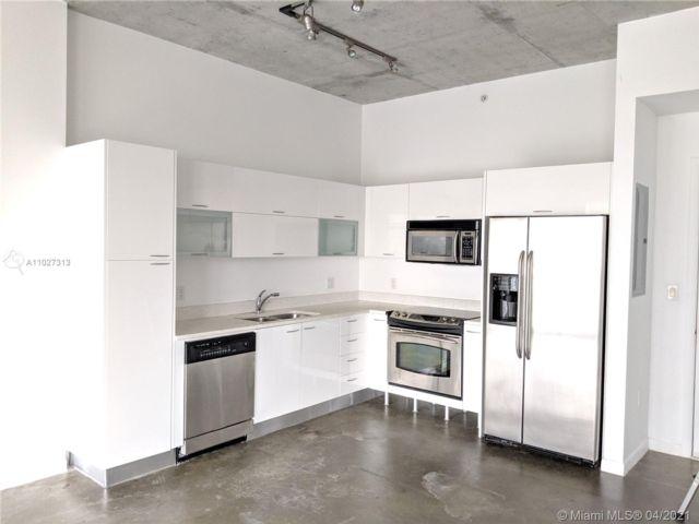 1 BR,  1.00 BTH  style home in Miami