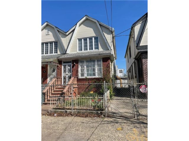 4 BR,  2.00 BTH  Single family style home in East Flatbush