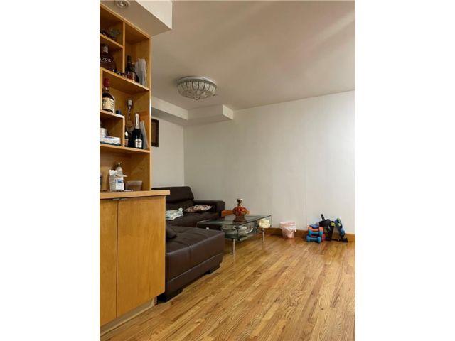 3 BR,  3.00 BTH Condominium style home in Sunset Park