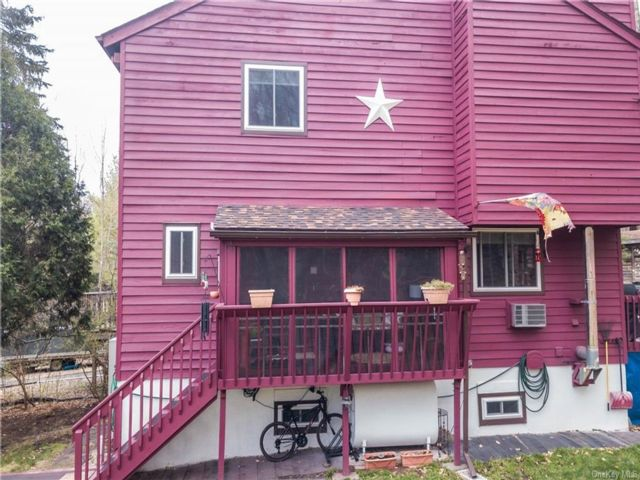 2 BR,  3.00 BTH Townhouse style home in Fallsburg