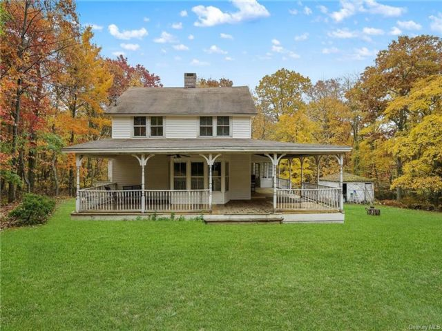 4 BR,  2.00 BTH Farmhouse style home in Mamakating