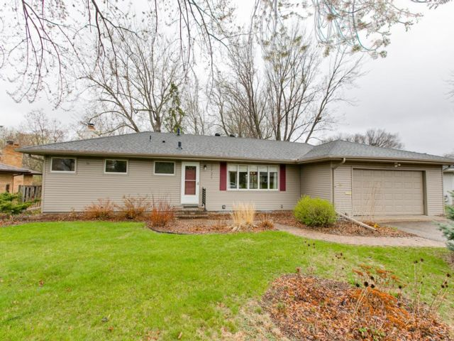 4 BR,  2.00 BTH Other style home in Bloomington