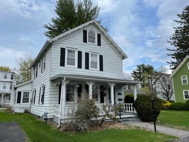 3 BR,  2.00 BTH 2 story style home in Cornwall