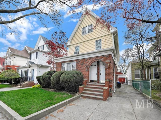 7 BR,  0.00 BTH Multi-family style home in Homecrest