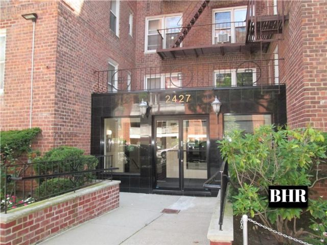 2 BR,  1.00 BTH Co-op style home in Sheepshead Bay