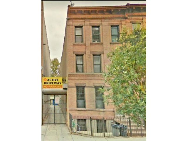 8 BR,  0.00 BTH  Multi-family style home in Crown Heights
