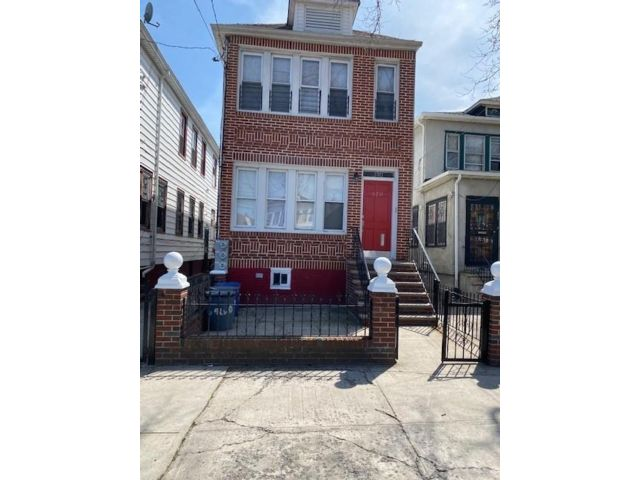 7 BR,  3.00 BTH  Single family style home in East Flatbush