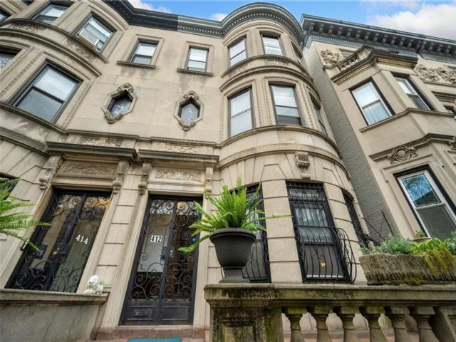 6 BR,  5.00 BTH Multi-family style home in Bedford Stuyvesant