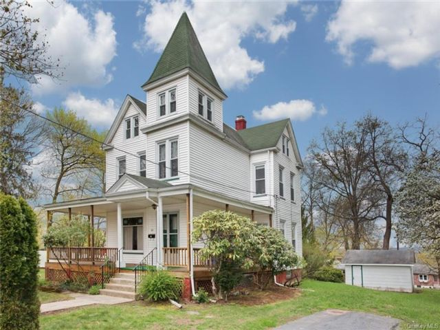 4 BR,  2.00 BTH Victorian style home in Clarkstown