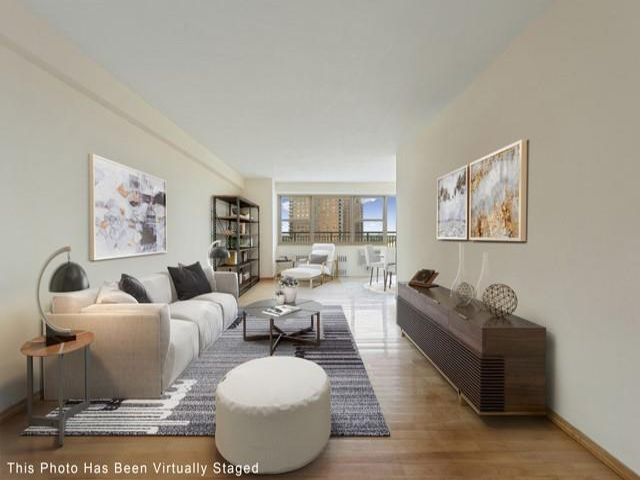 3 BR,  1.50 BTH Co-op style home in Coney Island