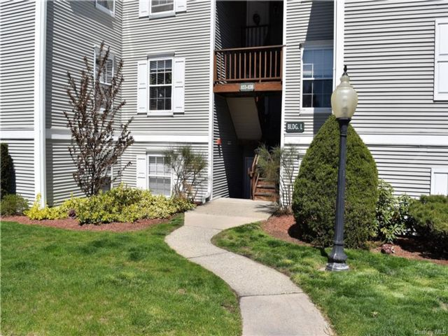 2 BR,  2.00 BTH Townhouse style home in New Windsor